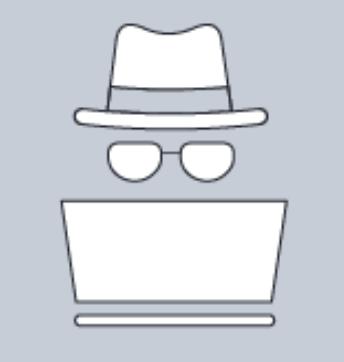 Das Bild zeigt einen weißen Hut, Brille und Laptop auf grauem Hintergrund, symbolisch für einen White-Hat-Hacker.